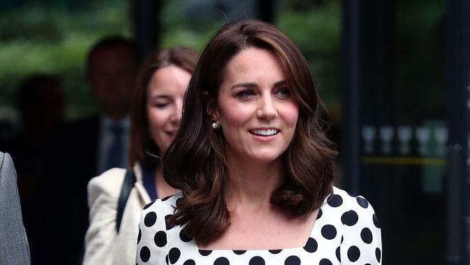 Dilarikan Ke Rumah Sakit Kate Middleton Hamil Anak Ke 3