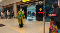Salah satu penumpang internasional di Bandara Internasional Sultan Mahmud Badaruddin (SMB) II Palembang (Liputan6.com / Nefri Inge)