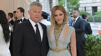 David Foster dan Katharine McPhee. (Neilson Barnard / GETTY IMAGES NORTH AMERICA / AFP)