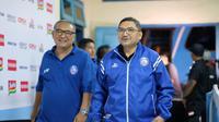 General Manager Arema FC, Rudy Widodo (kiri) dan pembina Tim Singo Edan, Lalu Mara Satriawangsa. (Bola.com/Dok Pribadi