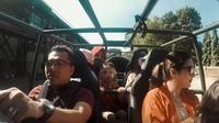 Anang Hermansyah naik mobil buatan Pindad (YouTube)