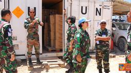 Citizen6, Lebanon: Tim SRI (Strategic Reserver Inspection) UNIFIL melakukan pengecekan terhadap gudang perbekalan Satgas POM TNI Konga XXV-D/UNIFIL, Kamis (31/5). (Pengirim: Badarudin Bakri)
