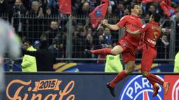Zlatan Ibrahimovic merayakan gol yang dicetaknya ke gawang Bastia