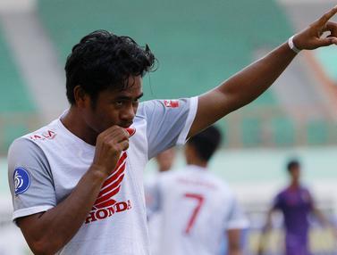 Foto: Gol Injury Time Ilham Udin Armaiyn Tentukan Kemenangan PSM Makassar atas Persik Kediri dalam Pekan ke-4 BRI Liga 1 2021 / 2022