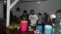 Kebersamaan di antara para pemain Persijap Jepara semakin erat selama bulan Ramadan. (Bola.com/Ronald Seger Prabowo)