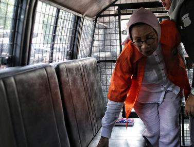 Ratna Sarumpaet Diserahkan ke Kejati DKI