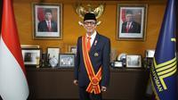 Menkumham Yasonna H Laoly menerima tanda kehormatan Bintang Mahaputera Adipradana dari Presiden Jokowi. (Dok Kemenkumham)
