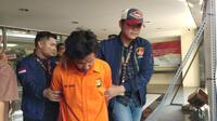 Teror penyiraman air keras di Jakarta Barat terkuak. Pelakunya berinisal FY (29) ditangkap di Jalan Meruya, Jumat (15/11/2019) kemarin. (Liputan6/Ady Anugrahadi)