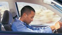 Ilsutrasi mengemudi sambil tertidur. (Michigan Auto Law)