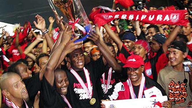 Persipura jadi juara Liga Indonesia 2005 setelah mengalahkan Persija di Stadion Utama Gelora Bung Karno, Senayan. (Bola.com/Dok. Persipura)