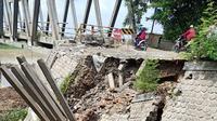 Jembatan Glendeng penghubung Kabupaten Tuban-Bojonegoro ditutup total akibat longsor