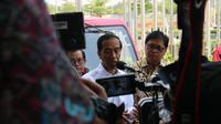 Jokowi menjelaskan kabar terkini Esemka selepat peresmian GIIAS 2018. (Herdi/Liputan6.com)