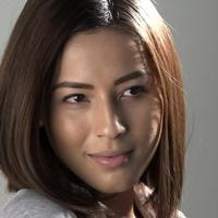 Nina Kozok dan Ariel NOAH terlibat project bersama dalam syuting video klip Cinta Bukan Dusta'. Nina mendapatkan banyak pengalaman baru saat terlibat dalam project tersebut.