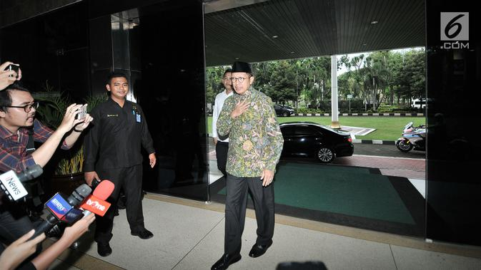 Menteri Agama Lukman Hakim Saifuddin tiba di Kantor Kementerian Agama, Jakarta, Senin (18/3). KPK menggeledah ruang kerja Lukman Hakim terkait kasus suap jual beli jabatan yang melibatkan mantan Ketua Umum PPP Romahurmuziy. (merdeka.com/Iqbal S. Nugroho)