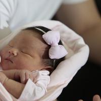 Impian untuk melahirkan anak pertamanya secara normal akhirnya terwujud. Melalui perjuangan panjang, akhirnya Franda melahirkan secara normal. Meski nyawa taruhannya, istri Samuel Zylgwn akhirnya bisa melahirkan secara normal. (Nurwahyunan/Bintang.com)