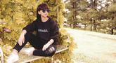Pemilik nama lengkap Angelica Faustina Simperler ini mulai dikenal luas setelah membintangi  serial drama Angel's Diary 2009 silam. Dirinya kerap tampil santai namun tetap modis. (Liputan6.com/IG/@angelicasimp.new)