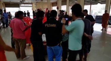Remaja berusia 13 tahun meninggal usai KO dalam pertandingan Muay Thai di Thailand. Iadilaporkan mengalami pendarahan otak.