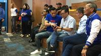 Kogasma Partai Demokrat Agus Harimurti Yudhoyono (AHY) memantau quick count atau hitung cepat Pemilu 2019. (Merdeka.com/ Intan Umbari)