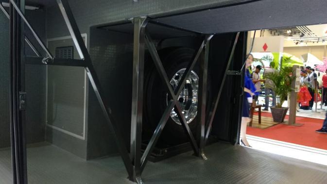 Bagasi dan tempat penyimpanan ban cadangan Adi Putro Jetbus 3 + Ultra High Deck (Liputan6.com/Yurike)#source%3Dgooglier%2Ecom#https%3A%2F%2Fgooglier%2Ecom%2Fpage%2F%2F10000
