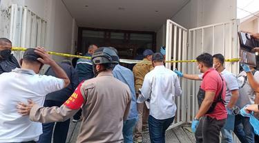 Polisi Lakukan Penggeledahan di Bekas Markas FPI