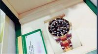 Pada ulang tahunnya yang ke-20, Jungkook BTS mendapat hadiah jam Rolex. Jam ini berharga Rp 326 juta. (Foto: koreaboo.com)