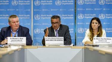 Tedros Adhanom Ghebreyesus (tengah), direktur jenderal Organisasi Kesehatan Dunia, berbicara pada konferensi pers tentang pembaruan COVID-19, di kantor pusat WHO di Jenewa, Swiss.