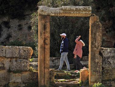 Melihat dari Dekat Kota Yunani Kuno di Libya