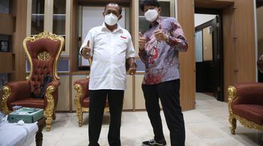 Bayu Skak bertemu Wakil Wali Kota Surabaya Armuji. (Dian Kurniawan/Liputan6.com)
