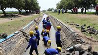 Kementerian Pekerjaan Umum dan Perumahan Rakyat (PUPR) mengerahkan semua unit organisasi untuk mempercepat program Padat Karya dan Padat Karya Tunai di berbagai sektor pembangunan infrastruktur.