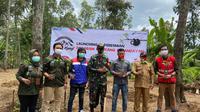 Kopi juga menjadi pintu bagi PT Pertamina (Persero) untuk mengupayakan pengembangan masyarakat di sekitar wilayah Desa Cipaganti, Cisurupan, Kabupaten Garut.