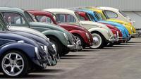 VW Beetle atau Kodok adalah inisiatif Hitler. Ia pernah hancur hingga kemudian diselamatkan oleh tentara Inggris untuk diproduksi massal (Foto: BBC)