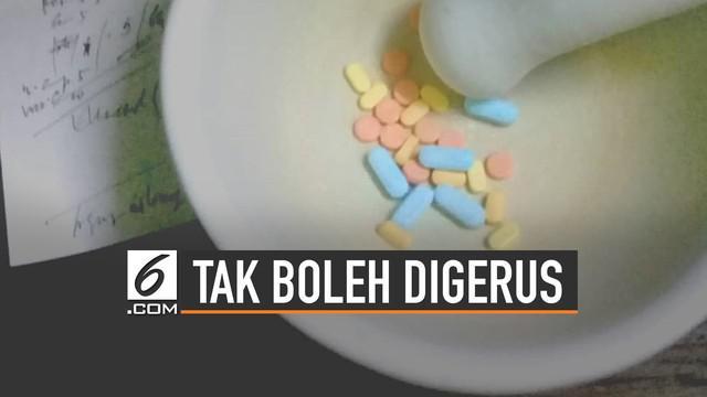 Sebagian orang memilih untuk menggerus obat saat dikonsumsi. Padahal ada beberapa obat yang tak boleh digerus.