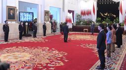 Suasana pelantikan Komjen Pol Listyo Sigit Prabowo sebagai Kapolri yang dipimpin Presiden Joko Widodo di Istana Negara, Jakarta, Rabu (27/1/2021). Listyo Sigit dilantik menjadi Kapolri menggantikan Idham Azis yang memasuki masa pensiun. (Krishadiyanto - Biro Pers Setpres)