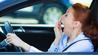 Diserang rasa kantuk saat berkendara sangat berbahaya.