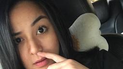 Sikap Juwita yang lebih mementingkan kekasihnya dibanding dengan keluarganya itu membuat geram. Bahkan, kabarnya, Juwita memilih tinggal bersama sang kekasih di Bandung. (Instagram/juwitatofhany11)