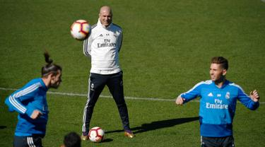 Melihat Zidane Pimpin Latihan Real Madrid