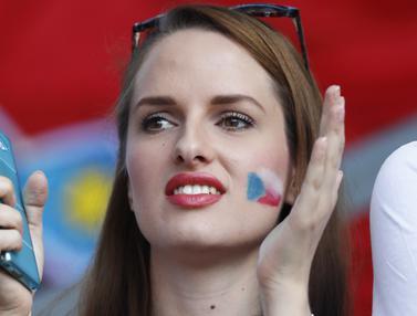 Fans Republik Ceska yang Memikat Hati