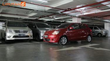 Cara Parkir Paralel Pakai Mobil Matik