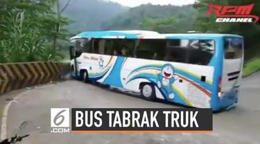 Sebuah bus lintas Sumatera tak bisa mengendalikan laju kendaraannya di jalanan menurun karena rem blong. Alhasil, bus tersebut menabrak sebuah truk tangki. Beruntung, tak ada korban jiwa dalam insiden ini.