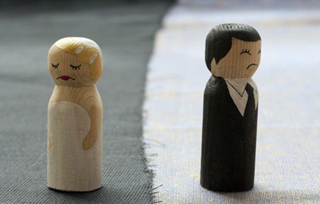 Suami ceraikan istri setelah tahu istri tanpa makeup   Photo: Copyright Thinkstockphotos.com