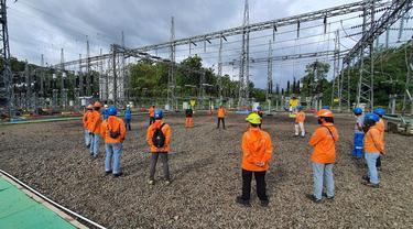 PT PLN (Persero) terus melakukan upaya pemulihan listrik terdampak bencana pasca gempa susulan dengan magnitudo 6,2 skala richter (SR) yang mengguncang Mamuju dan Majene. (Dok PLN)