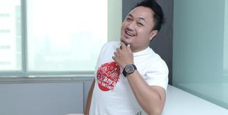 Finalis asal Surabaya, Candra berhasil menyingkirkan empat finalis lain serta ribuan kontestan dari berbagai daerah di Indonesia. Chandra berhasil menjadi juara 1 Asiknya Jadi Bintang. (Galih W. Satria/Bintang.com)