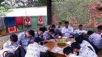 Kegiatan belajar mengajar di Pesantren Hayatan Thayyibah, Kota Sukabumi sebelum pemerintah menetapkan Covid-19 sebagai bencana nasional nonalam. (Istimewa)