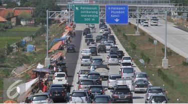 PT Jasa Marga mengimbau masyarakat yang menggunakan jalan tol saat puncak arus balik pada 2 dan 3 Januari 2015, untuk tidak mengisi bahan bakar di rest Area karena akan menambah kemacetan