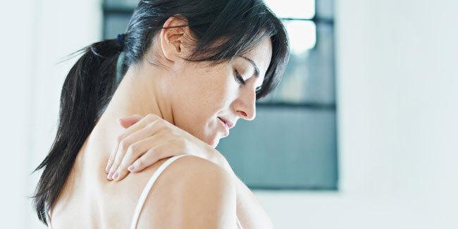 Rasa sakit di punggung bisa jadi herniasi diskus verterbralis/copyright Shutterstock.com
