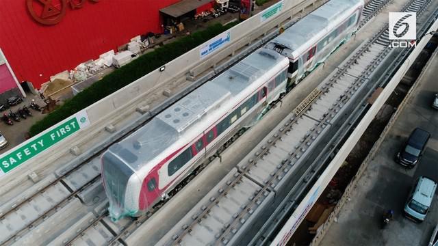 Proyek LRT Kelapa Gading diklaim sudah mencapai 70%, dan rencananya akan siap digunakan pada Juni 2018. Berikut pantauan udara proyek LRT Kelapa Gading