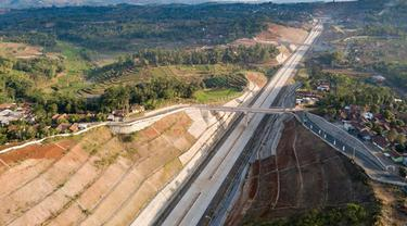 Pembangunan Jalan Tol Cileunyi-Sumedang-Dawuan (Cisumdawu) sepanjang 60,47 kilometer (km). Dok Kementerian PUPR