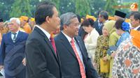 Mendiknas Muhammad Nuh terlihat hadir di Taman Makam Pahlawan, Kalibata. (Liputan6.com/Herman Zakharia)