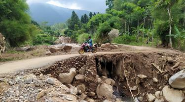 Salah satu titik longsor di kawasan Gunung Salak, Bogor. (Liputan6.com/Achmad Sudarno)