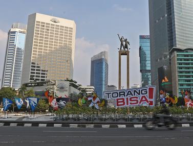 Maskot PON XX Papua Mejeng di Bundaran HI Jakarta